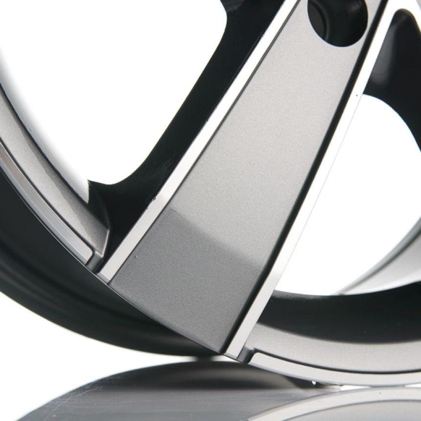 Toro TitaniumPolish Pakettiautoihin